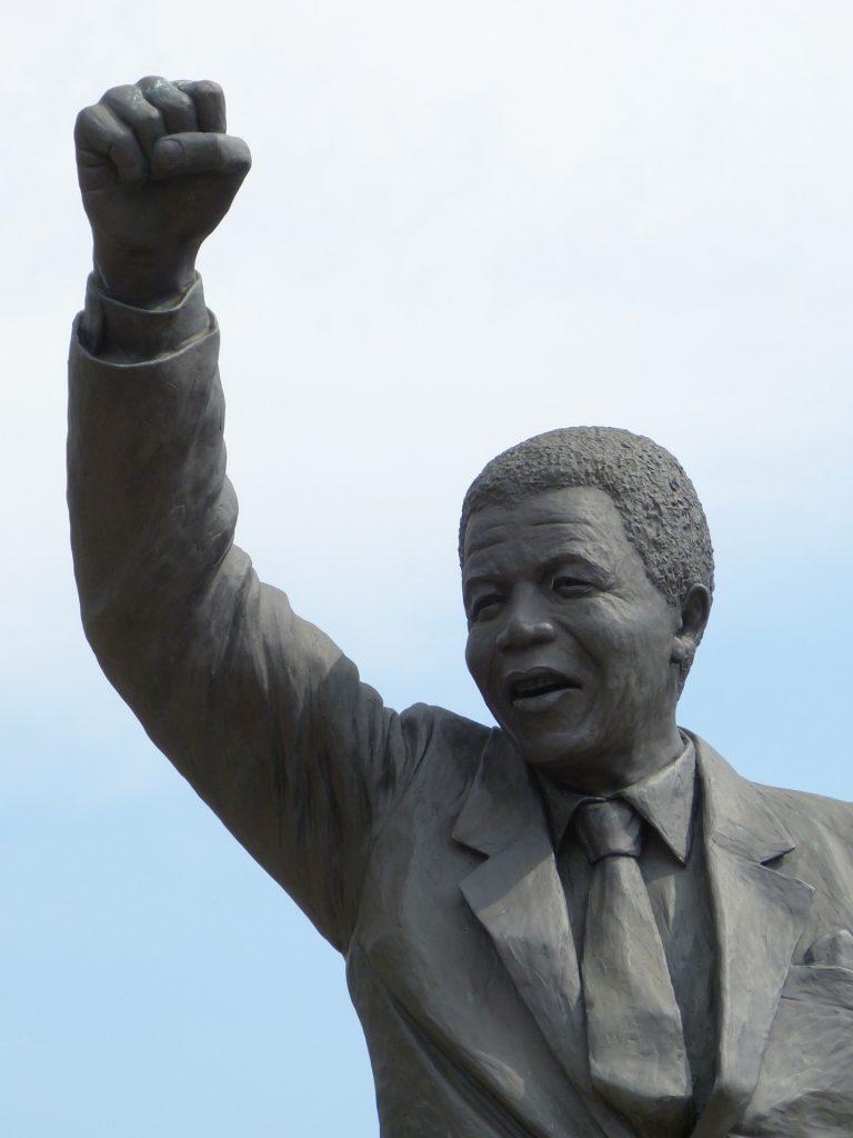 Mandela heredó de su padre el ímpetu y la rebeldía. Es una Inspiración Para Los Inversionistas
