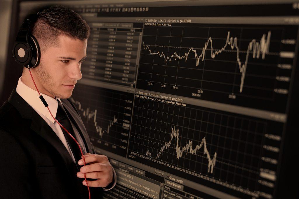 Los brokers conectan la oferta y la demanda en la Bolsa.