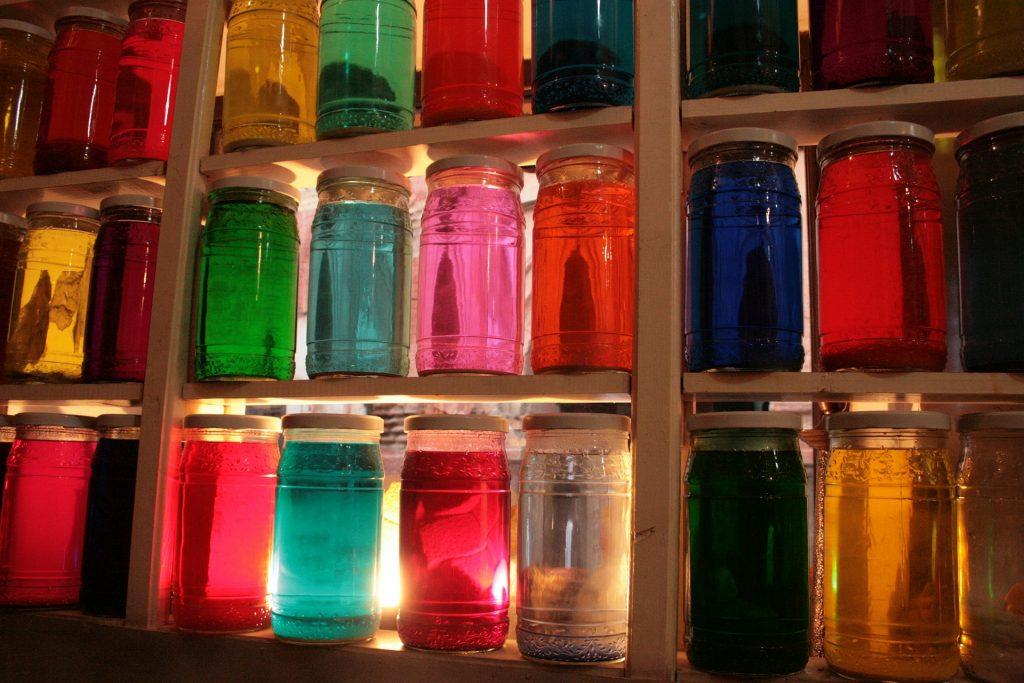 Novartis, en su origen, fue una empresa de tinturas.