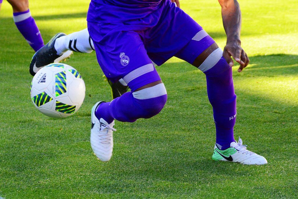 Los futbolistas ganan en un minuto lo que otras personas en años.