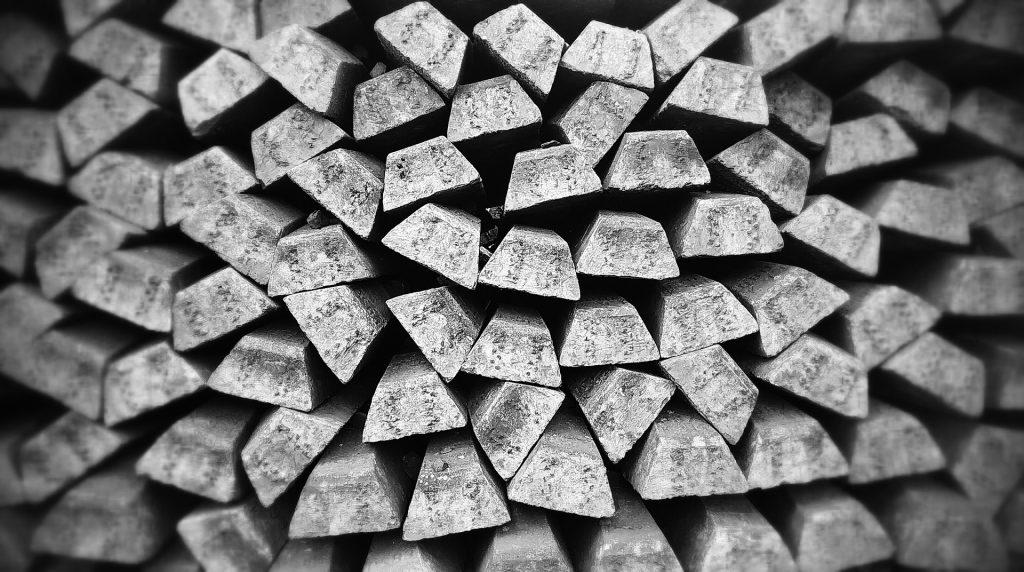 Hay ETFs para invertir en metales como plata.