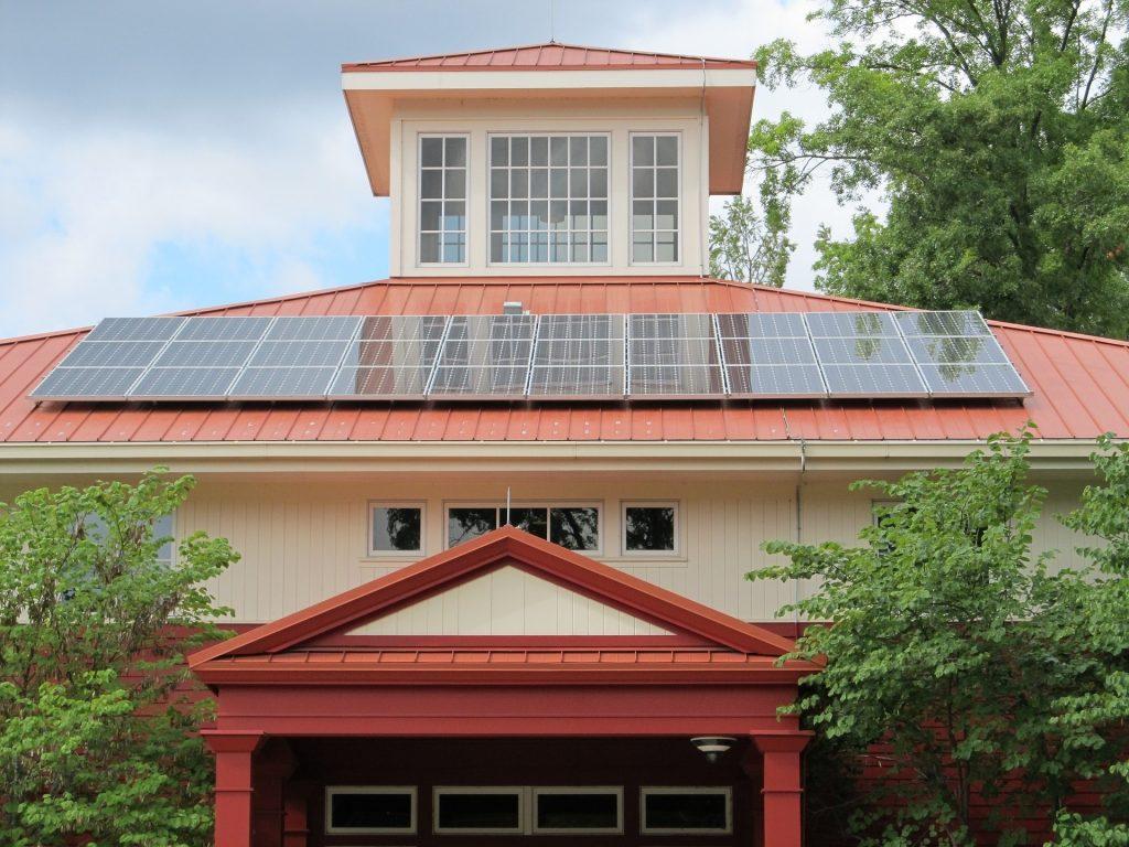 La energía solar cada vez crece más.
