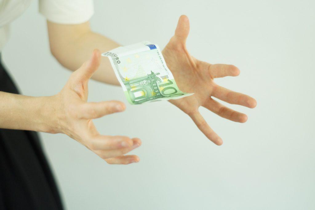 Para no obsesionarte con el dinero cambia de mentalidad.