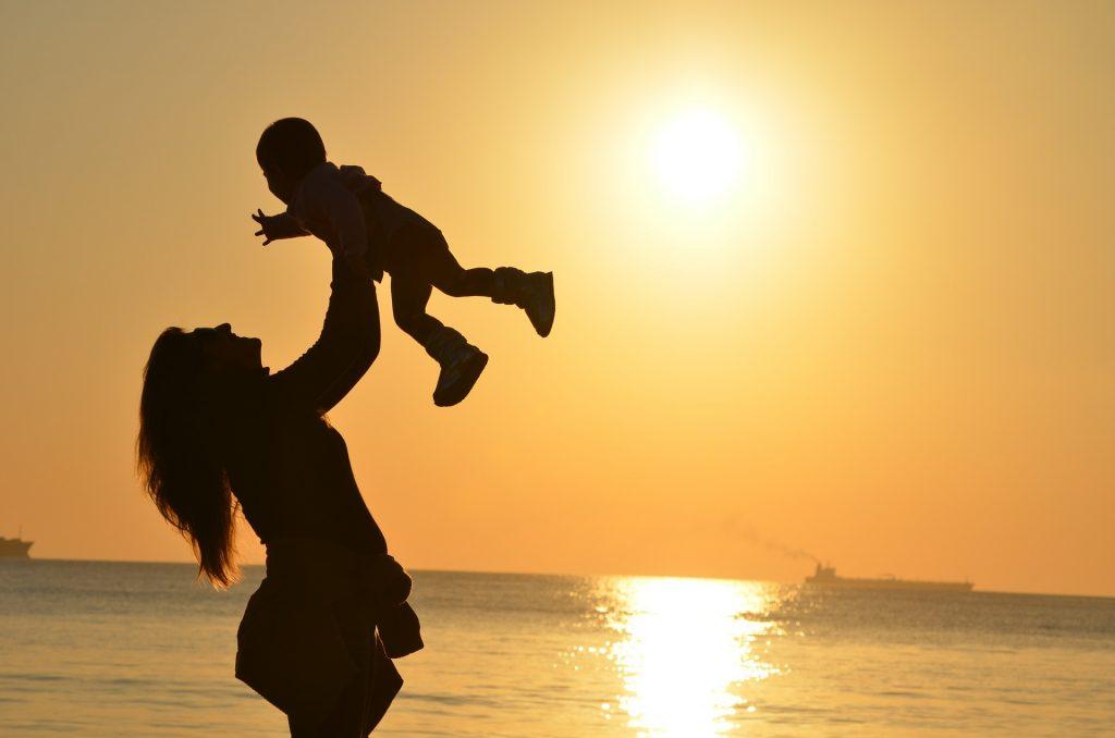 Este mes los hispanos en Estados Unidos celebran el Día de la Madre.