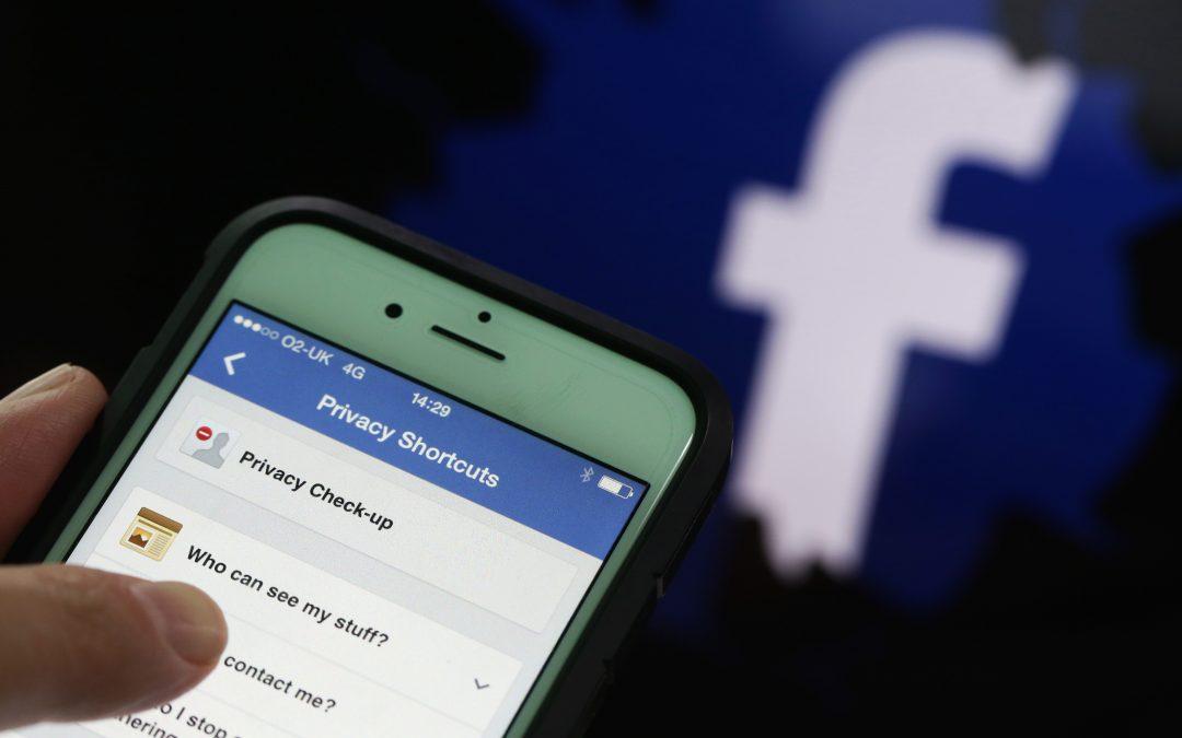 Apple Y Facebook: Mientras Una Sube, La Otra Baja – Hyenuk Chu