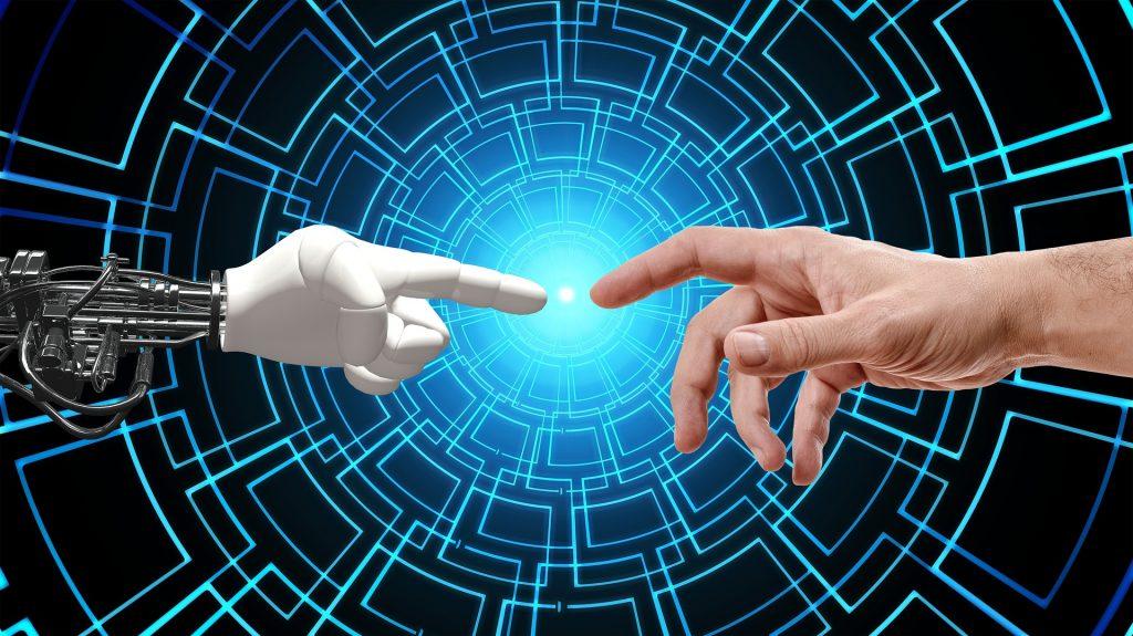 Humanos y robots trabajarán juntos por la tecnología.