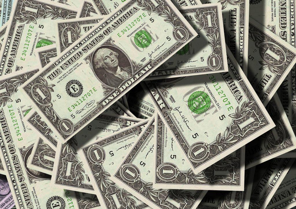 En los websites para inversionistas aprendes sobre manejo del dinero.