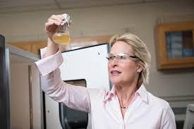 Una mujer ganó el Nobel de Química.