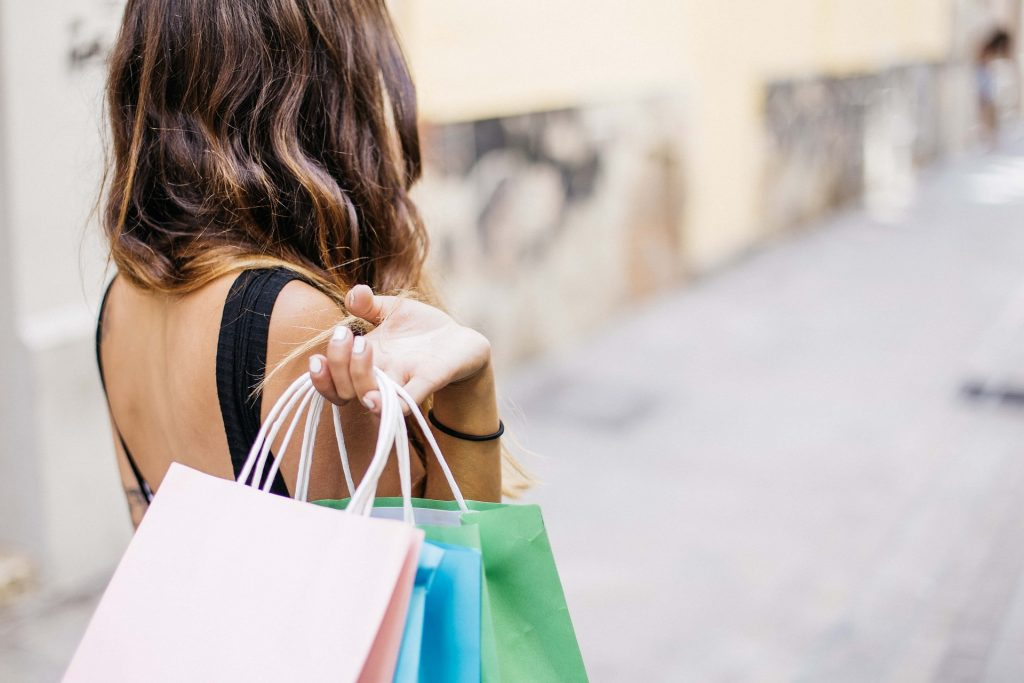 Los centros comerciales están cerrando por cuenta del e-commerce.