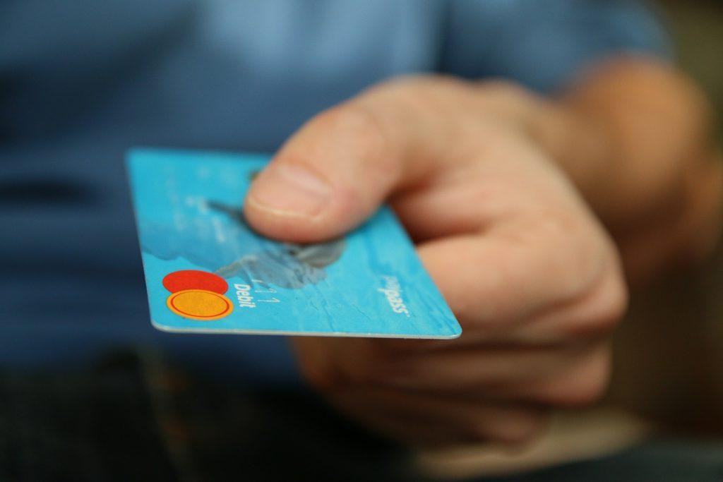 Para cuidar los gastos evita endeudarte.