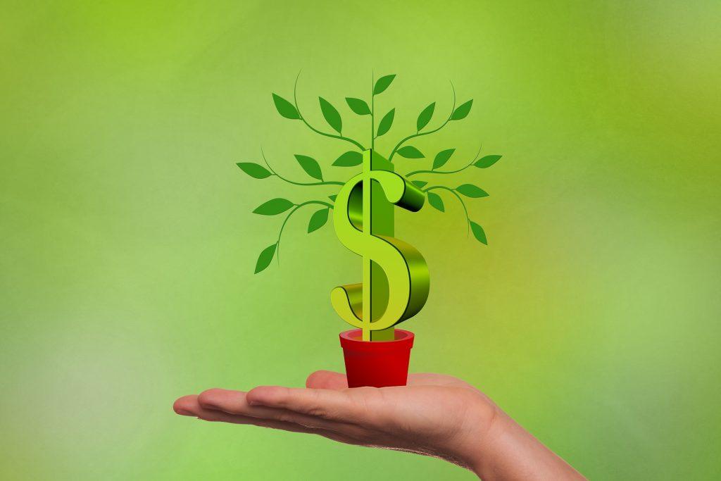 Al invertir en el ETF SPY accedes a una canasta de valores.