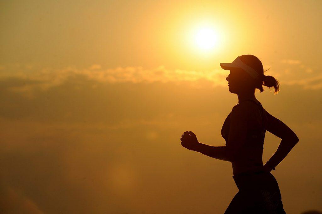 Al ganar dinero mejora la salud - Hyenuk Chu