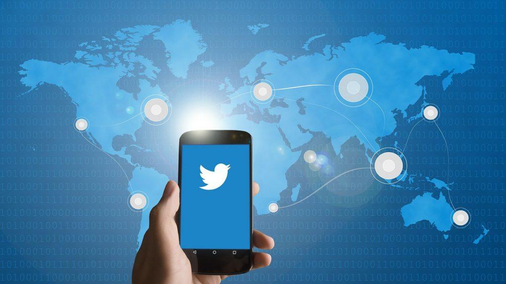Twitter es protagonista de las noticias desde Tesla - Hyenuk Chu