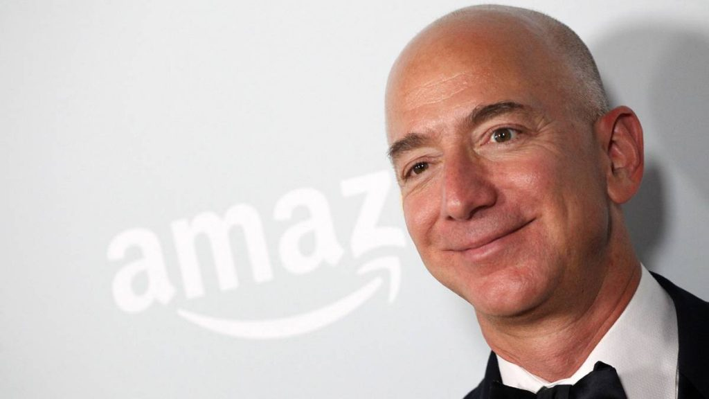 Unidos por negocios están Buffett y Amazon - Hyenuk Chu