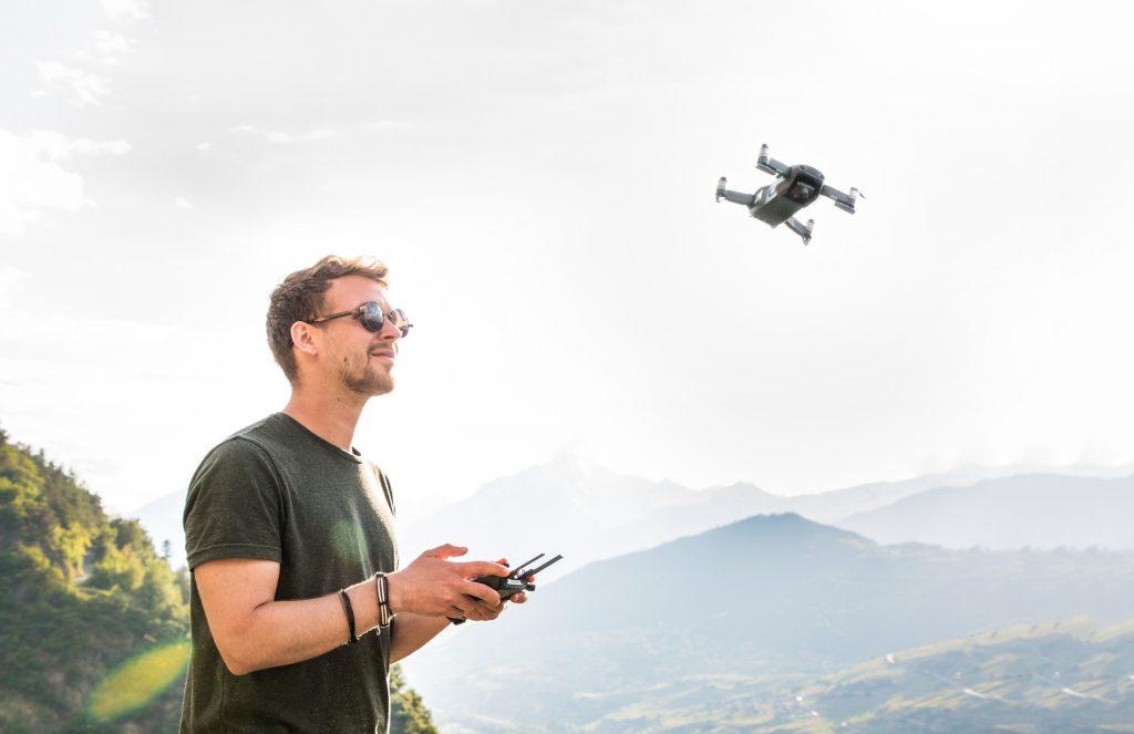 Algunas acciones de inteligencia artificial están relacionadas con drones - Hyenuk Chu