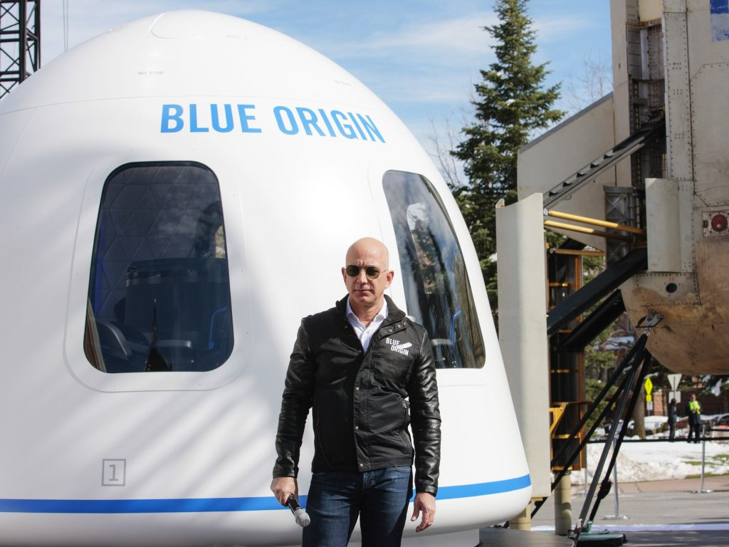 Jeff Bezos es uno de los millonarios en el mundo - Hyenuk Chu