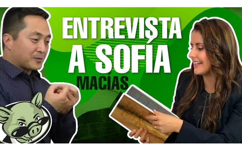 """Entrevista A Sofía Macías, Autora De """"Pequeño Cerdo Capitalista"""" – Hyenuk Chu"""