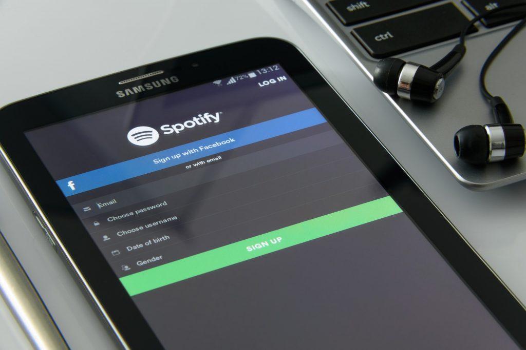 Una de las grandes empresas es Spotify - Hyenuk Chu