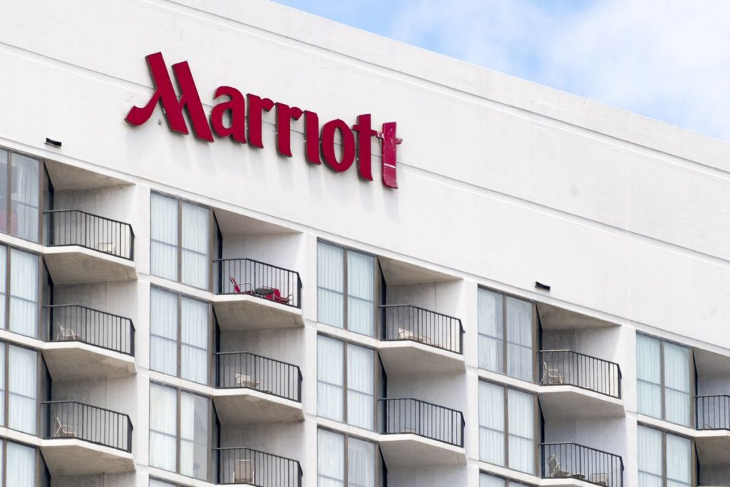 Con la IPO de Airbnb se calienta la competencia en el sector hotelero – Hyenuk Chu Foto: vox.com