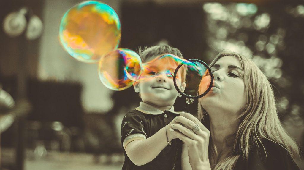 Al hacer tu plan financiero para 2021 analiza cuánto requieres para resolver las necesidades de tu familia – Hyenuk Chu Foto: Pixabay