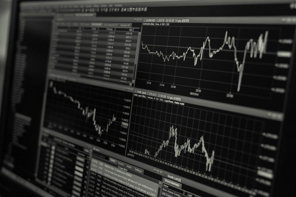 Decidir en qué invertir es uno de los tips para cuando te decides invertir o hacer trading