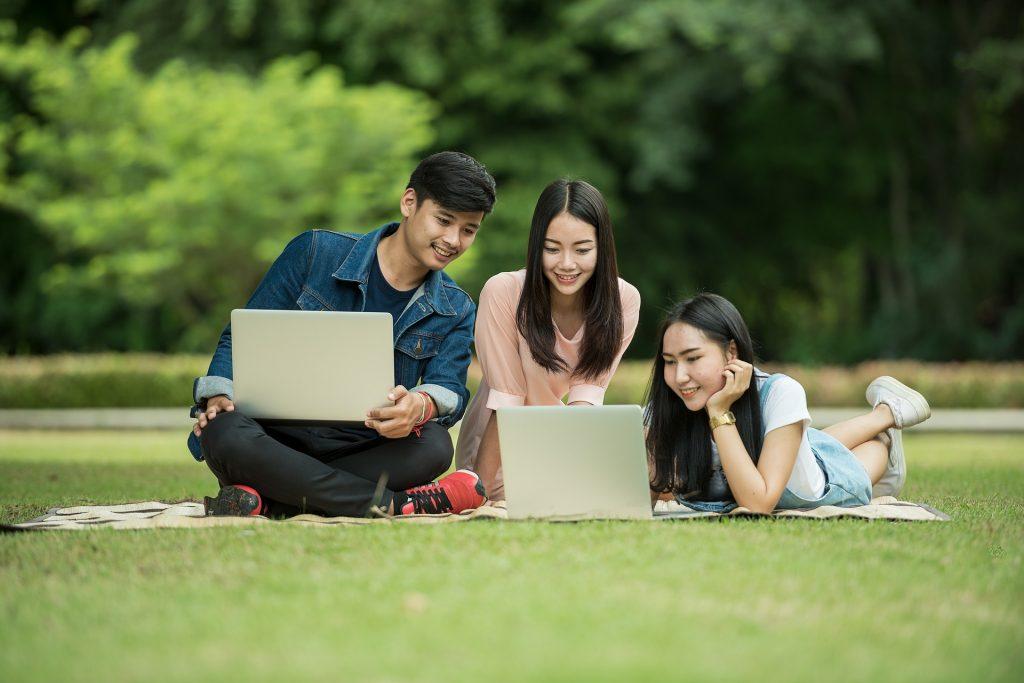 Aunque seas más joven que los de la Generación X, empieza a ahorrar – Hyenuk Chu Foto: Pixabay