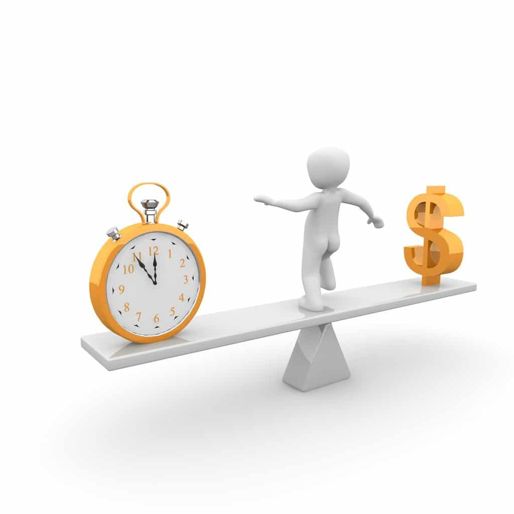 Uno de los 15 consejos que tienes que seguir si quieres salir de deudas es usar tu dinero inteligentemente