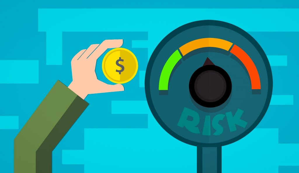 Cuando pienses en dónde invertir tu dinero, piensa en los riesgos asociados