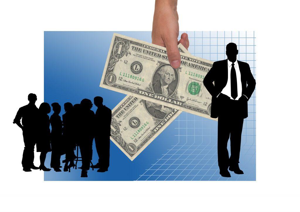 Los fondos de inversión te cobran comisiones por manejar tu dinero