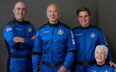 """Jeff Envía """"Bezos"""" Al Espacio – Hyenuk Chu"""