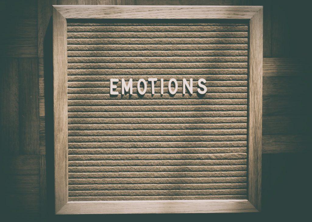 Las emociones de los inversionistas inciden en el soporte y resistencia