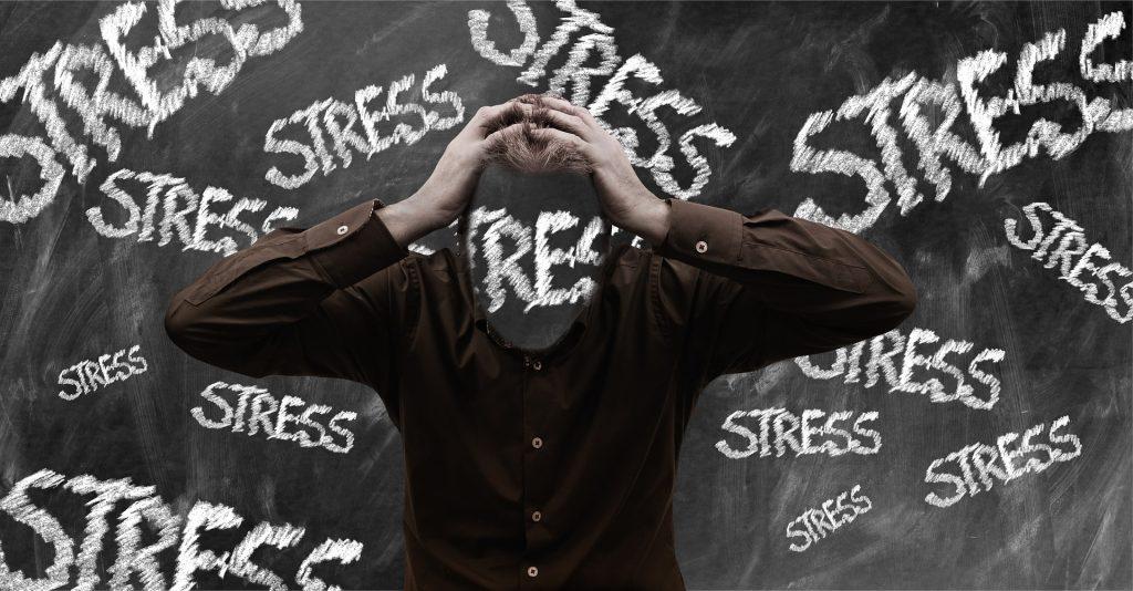 El efecto burnout o de estress y cansancio excesivo motiva la gran renuncia
