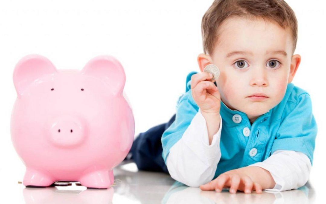 Cómo le enseñarías a un niño a administrar el dinero